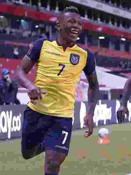 Pervis Estupiñan marcou um dos gols do Equador sobre a Colômbia - Reprodução