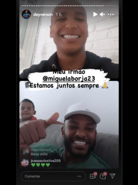 Deyverson e Borja fazendo live no Instagram - Reprodução web