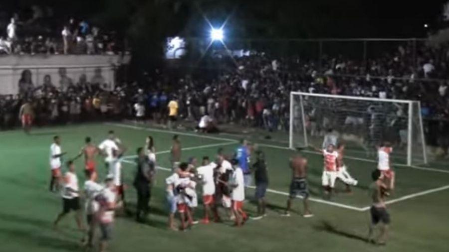 Imagem da final da Copa AP, que aglomerou multidão durante pandemia em comunidade do Rio de Janeiro - Reprodução/Youtube