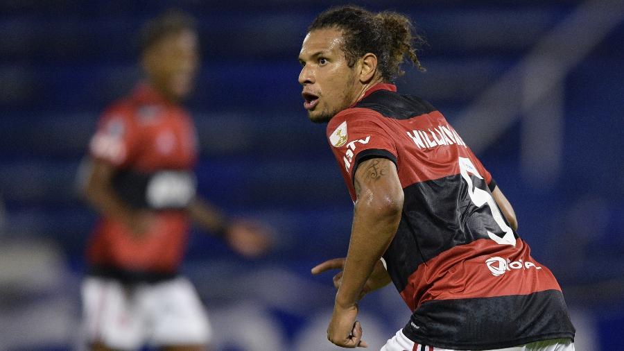 A defesa do Flamengo foi um centro de memes nas redes na vitória sobre o Vélez - Juan Mabromata - Pool/Getty Images