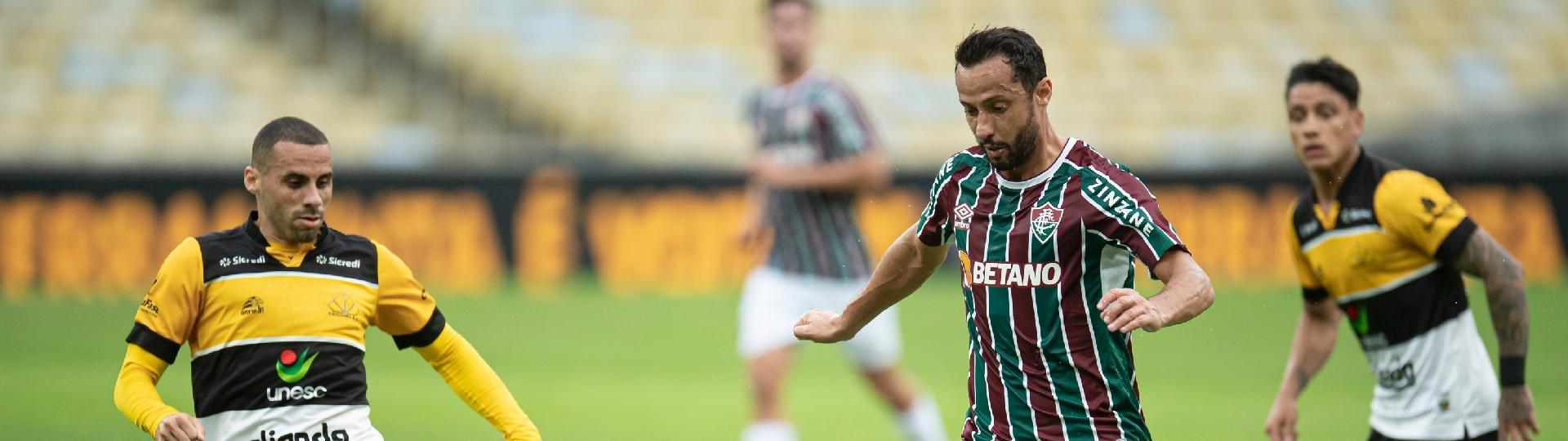 Nenê conduz a bola no jogo de volta das oitavas de final da Copa do Brasil, entre Fluminense e Criciúma