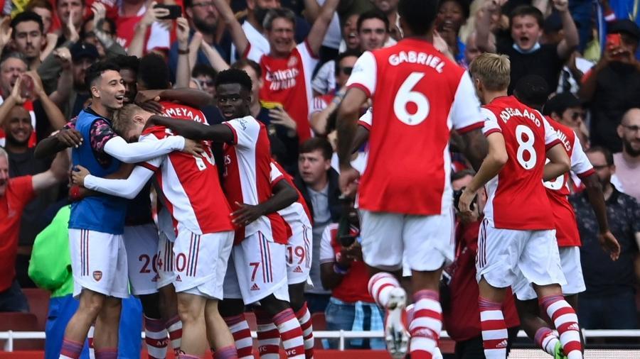 Jogadores do Arsenal comemoram gol marcado contra o Norwich pelo Campeonato Inglês - Tony Obrien/Reuters