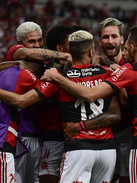 Jogadores do Flamengo comemoram 2º gol de Bruno Henrique na partida contra o Barcelona-EQU - Staff Images / CONMEBOL