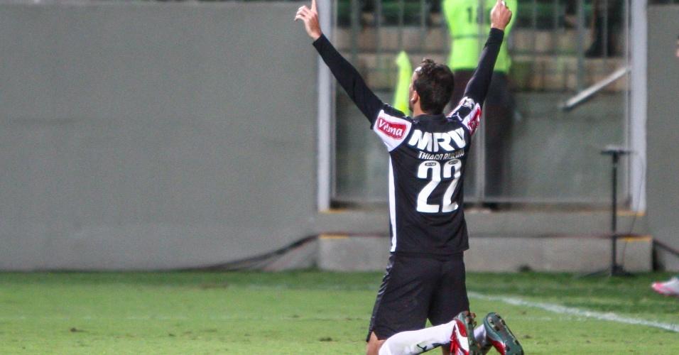 Thiago Ribeiro comemora gol do Atlético-MG contra o Coritiba