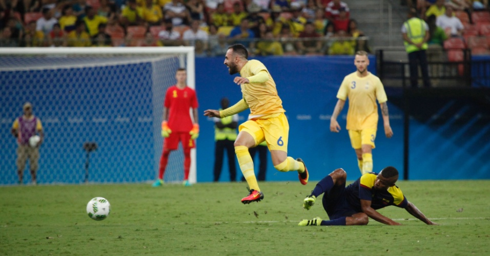 Abdul Khalili em ação na estreia da seleção sueca pela Olimpíada