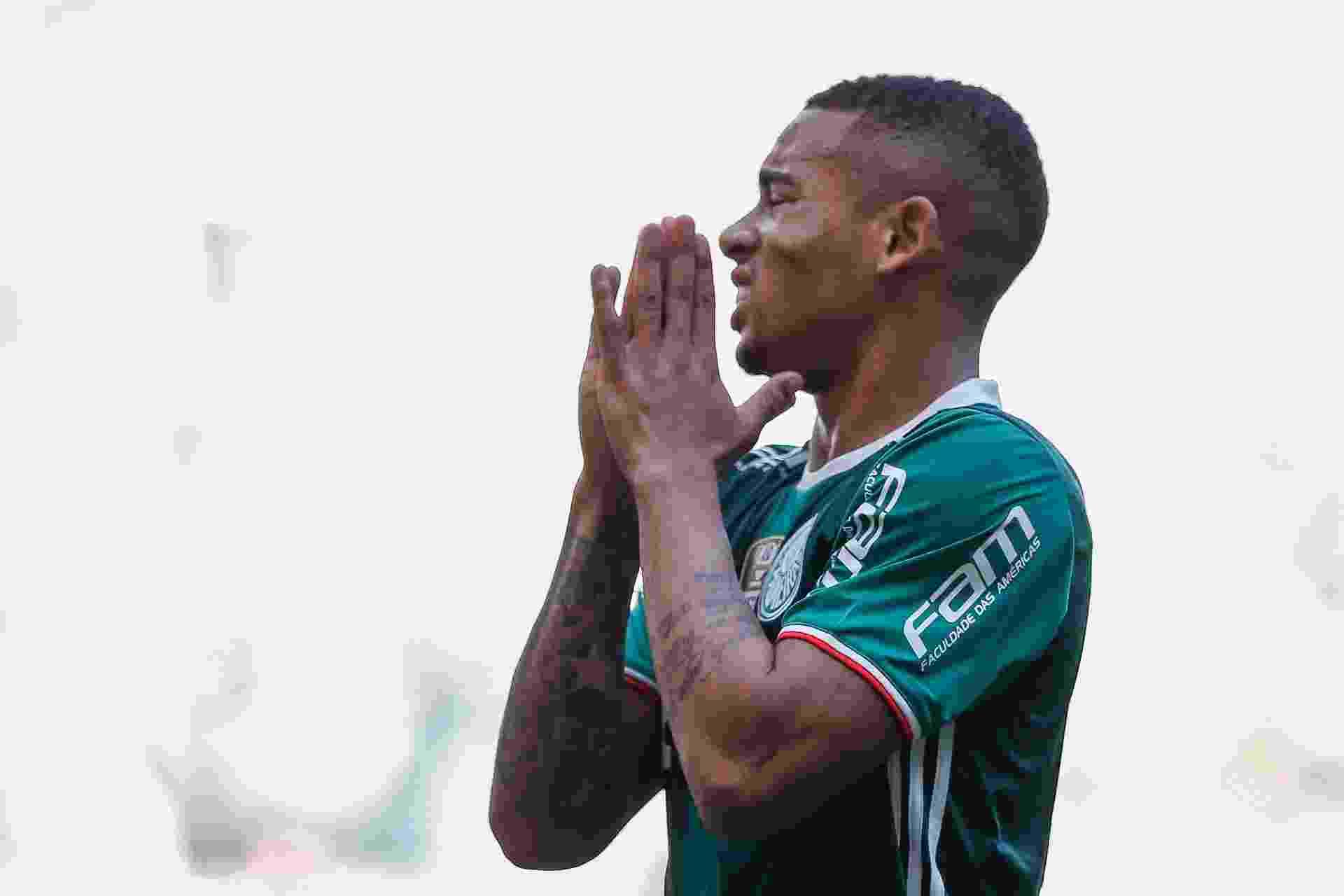 Gabriel Jesus lamenta chance perdida na partida Palmeiras x Botafogo - Marcello Zambrana/Agif