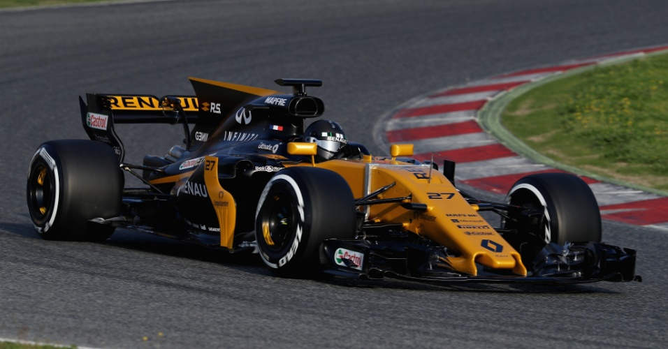 Nico Hulkenberg fazendo sua estreia como piloto da Renault