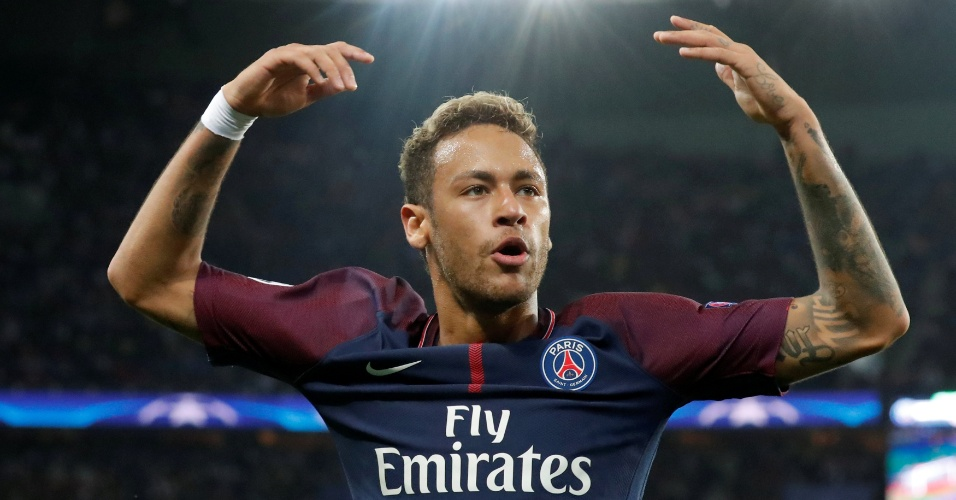 Neymar comemora gol do PSG contra o Bayern de Munique