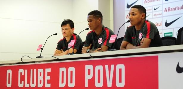 Ronald (e), Marcinho (c) e Fernandinho (d) em entrevista coletiva no Interancional