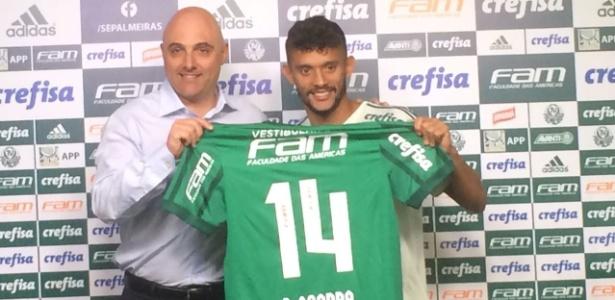 Gustavo Scarpa vestiu a camisa 14 em sua apresentação no Palmeiras