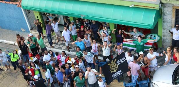Bar do Ari e Miriam reúne palmeirenses e corintianos em dérbi