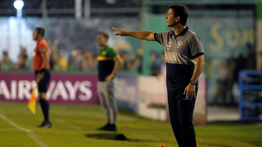 Zé Ricardo exaltou Botafogo, mas fez muitos elogios ao time do Defensa y Justicia-ARG - Javier Gonzalez Toledo/AFP