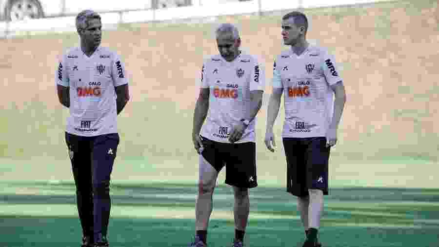 Rodrigo Santana, técnico do Atlético-MG, ao lado de Éder Aleixo (centro) e Adilson (à direita) - Bruno Cantini/Divulgação/Atlético-MG
