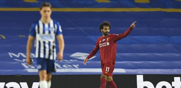 Liverpool vence com dois gols de Salah e se aproxima de recorde no Inglês – UOL