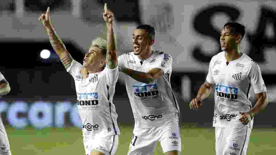 Soteldo comemora gol do Santos contra o Boca Juniors na semifinal da Libertadores - Andre Penner ? Pool/Getty Images