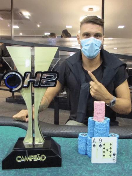 Moisés foi campeão de um torneio de pôquer - Divulgação