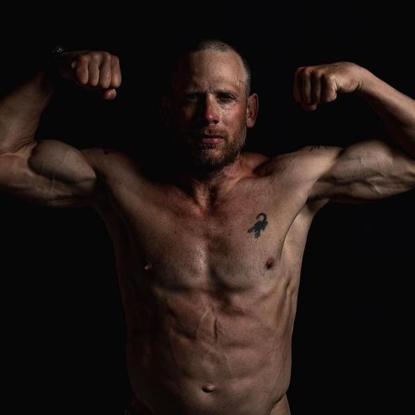 James Lawrence completou 100 Ironman seguidos em 100 dias