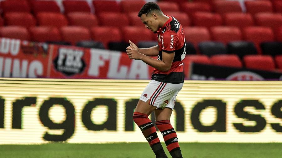 Rodrigo Muniz, do Flamengo, comemora gol contra o América-MG - Thiago Ribeiro/AGIF