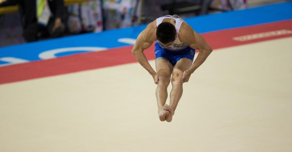 Arthur Mariano terminou na quinta colocação na final da prova de solo de ginástica artística