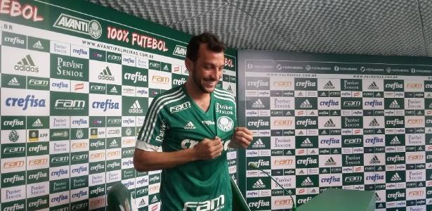 Edu Dracena voltou a ter chances como titular do Palmeiras e espera se firmar de vez