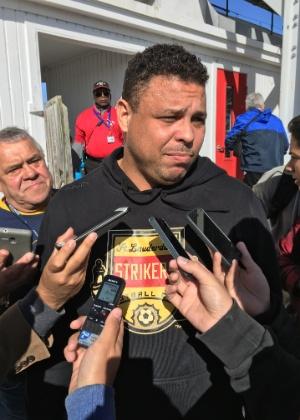 Ronaldo concede entrevista em Fort Lauderdale durante amistoso com Corinthians - UOL Esporte