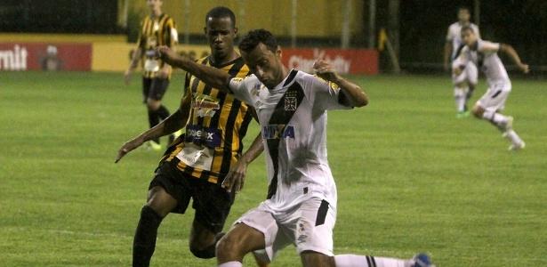 Nenê levou o terceiro cartão amarelo contra o Tigres e não enfrenta o Friburguense