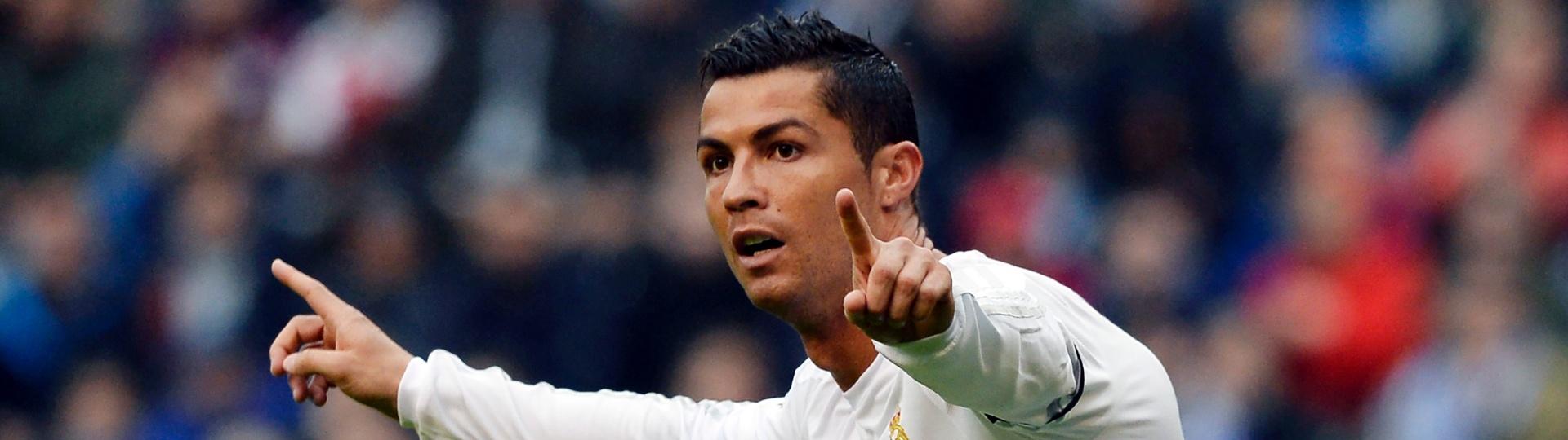 Cristiano Ronaldo comemora gol do Real Madrid com La Coruña