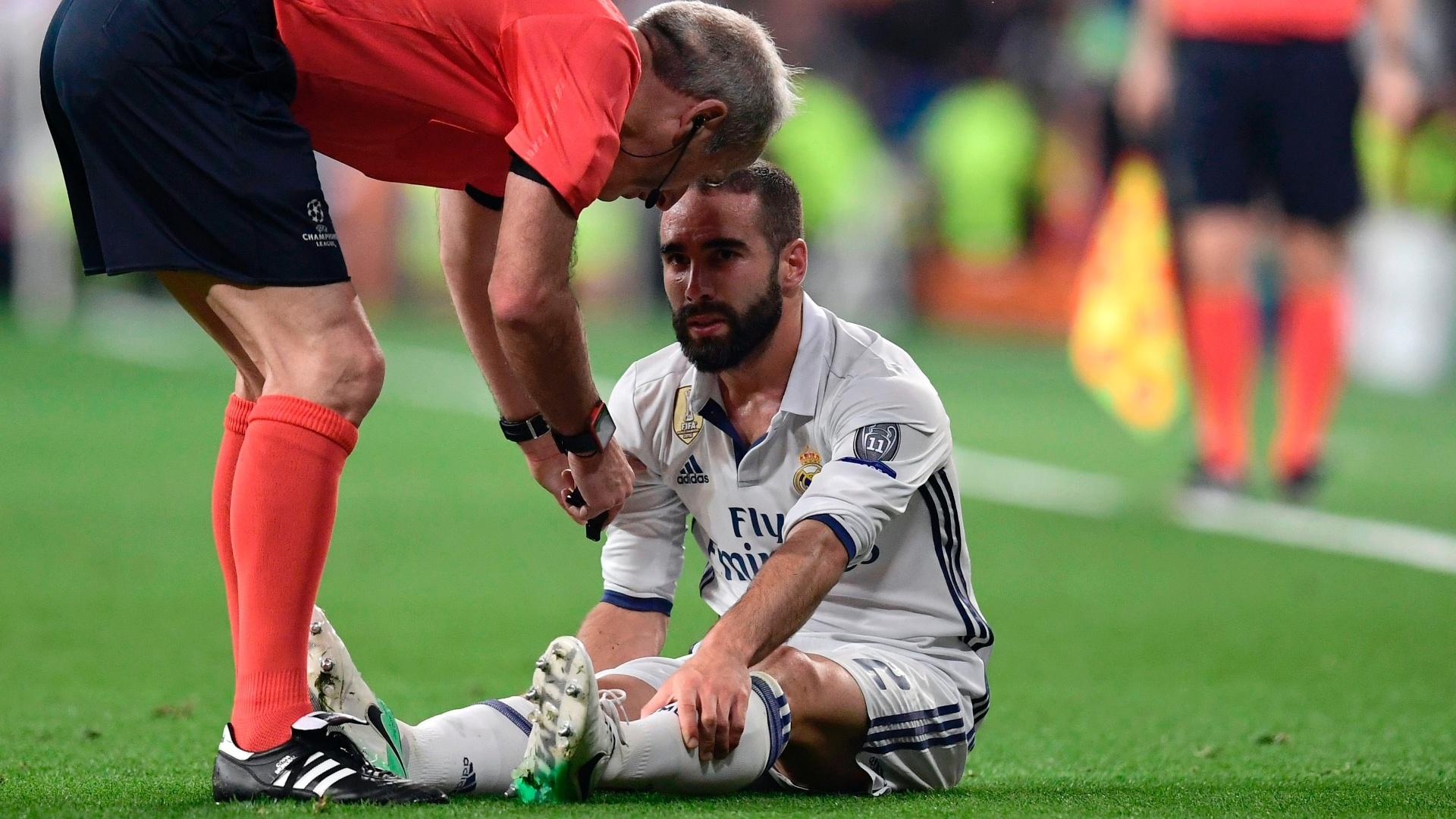 Carvajal sente lesão durante a partida entre Real Madrid e Atlético de Madri