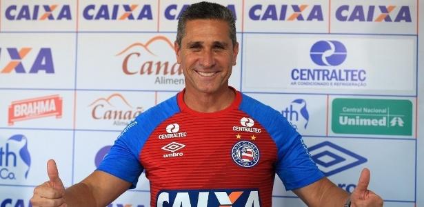 Jorginho terá à disposição as novidades ofensivas Vinicius e Gustavo Ferrareis