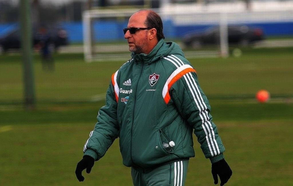Nilton Petroni, o Filé, fisioterapeuta do Fluminense, durante um treino do clube