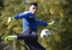 Tiago Volpi confirma contato para substituir Ederson no gol do Benfica