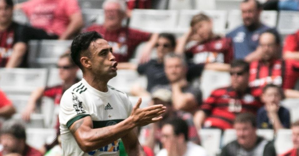 Werley comemora gol do Coritiba