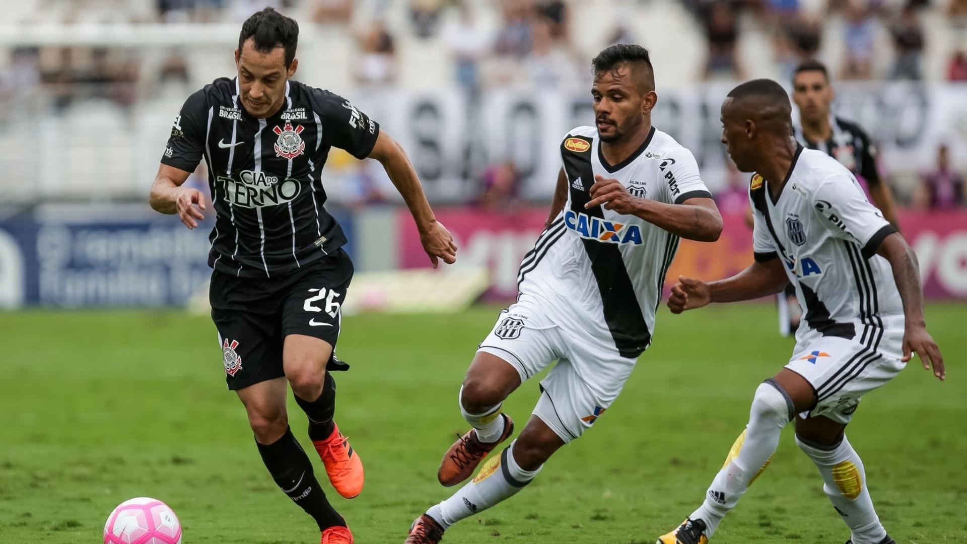 Rodriguinho em ação na partida entre Corinthians e Ponte Preta