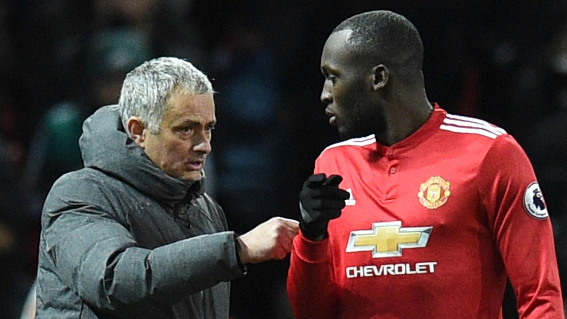 José Mourinho acredita que Lukaku perdeu desempenho porque está muito musculoso