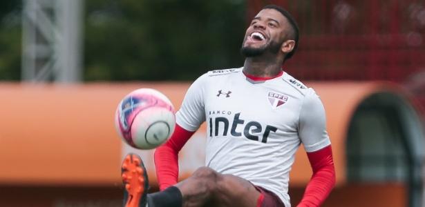 Júnior Tavares é liberado pelo São Paulo para definir o seu futuro