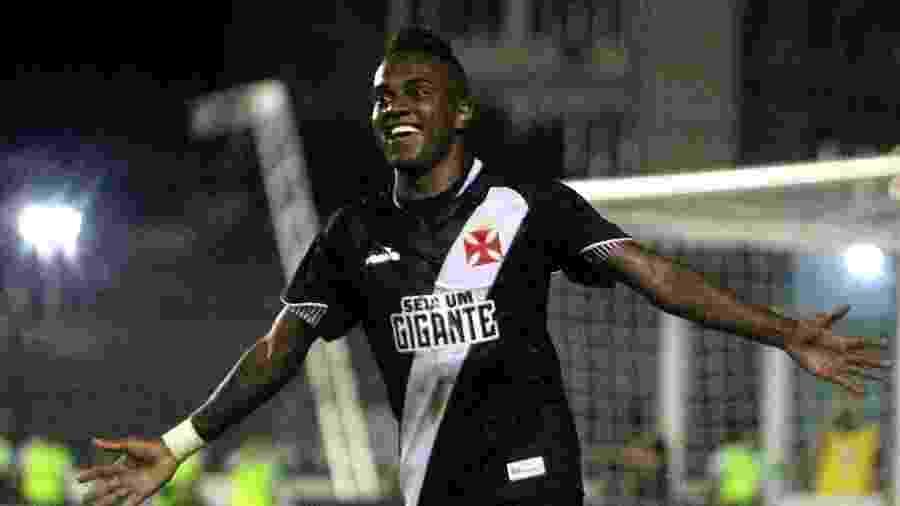 Atacante Kelvin defendeu o Vasco até o ano passado e rescindiu com o Porto recentemente - Paulo Fernandes/Vasco.com.br