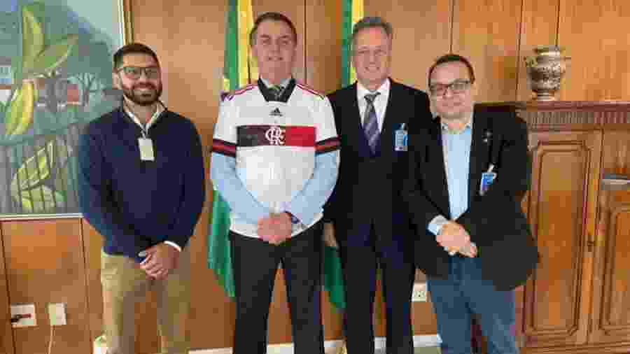 Chefe médico do Flamengo, Márcio Tannure (e) acompanhou a diretoria do clube em Brasília em encontro com Jair Bolsonaro - Reprodução/Instagram