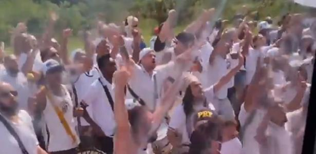 Final do torneio | Santos embarca ao Rio, e torcedores se aglomeram em SP