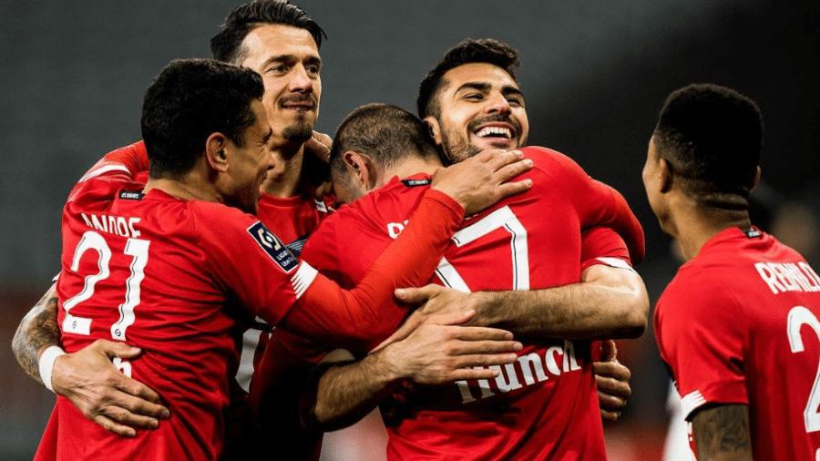 Jogadores do Lille celebram vitória sobre o Nice, que garantiu o time na liderança do Francês - Reprodução/Instagram