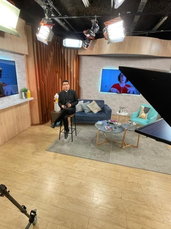 Padre Juarez comanda o 'Bendita Hora', na Rede Vida