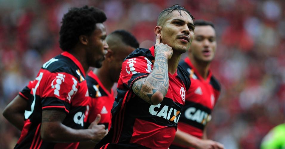 Diante do ex-clube, Guerrero marca para o Flamengo contra o Corinthians
