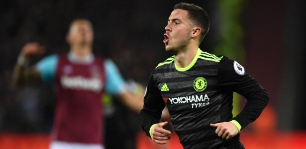 Eden Hazard comemora gol do Chelsea em jogo contra o West Ham