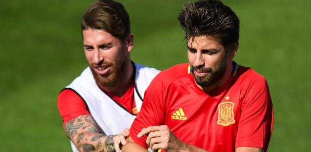 Ramos e Piqué são rivais nos clubes e companheiros na seleção espanhola