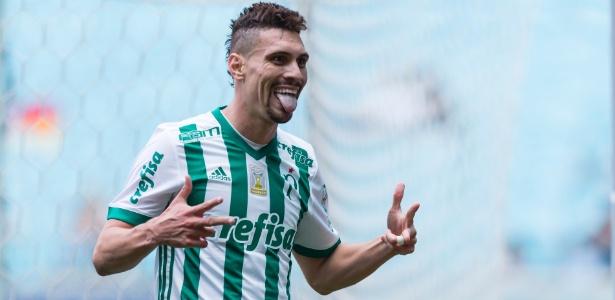 Moisés comemora após marcar pelo Palmeiras sobre o Grêmio no ano passado