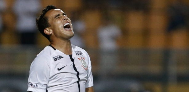 Jadson virou desfalque no Corinthians na véspera da segunda partida na Libertadores