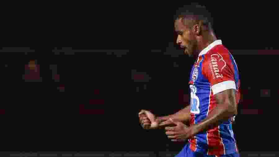 Elber deve ficar com a vaga de Lucca para encarar o Corinthians - Marcello Zambrana/AGIF