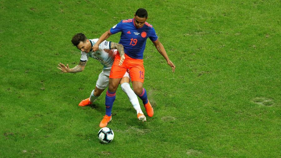 Argentina e Colômbia deixaram a Fonte Nova fazendo críticas ao gramado - Joédson Alves/EFE