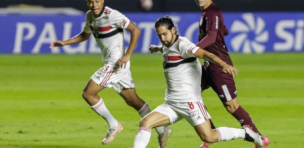Paulistão | São Paulo derrota a Ferroviária por 4 a 2 e garante vaga na semifinal