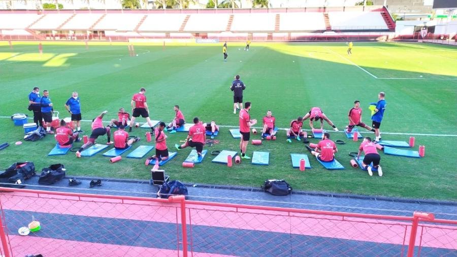 Seleção da Venezuela treinou no estádio Antônio Accioly, em Goiânia - Eder Traskini/UOL