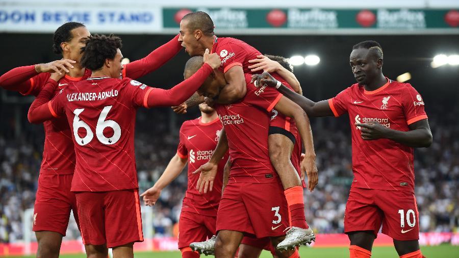 Jogadores do Liverpool comemoram gol marcado sobre o Leeds United, pelo Campeonato Inglês - Peter Powell / Reuters